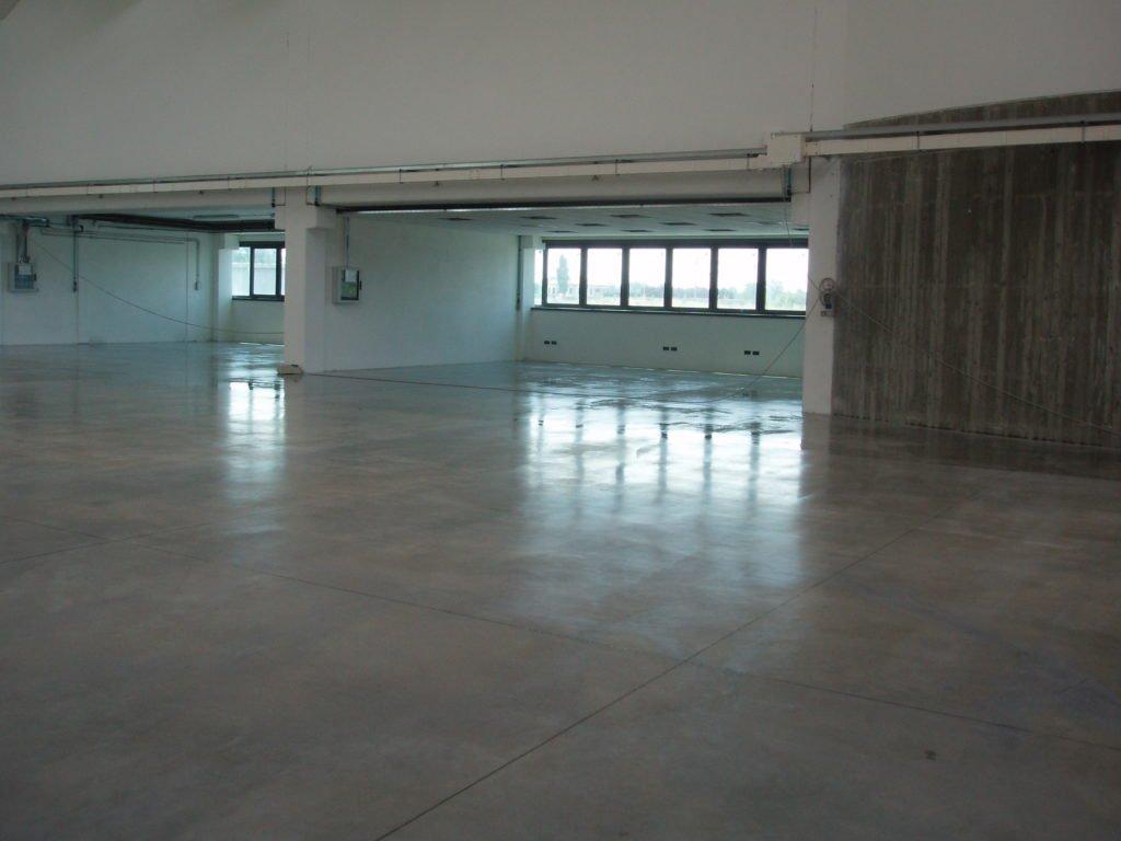 lavaggio meccanico pavimenti